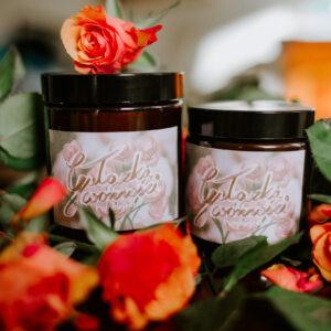 Naturalna świeca sojowa o zapachu kwiatowym